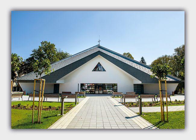 Kostol Božieho milosrdenstva v Ladcoch