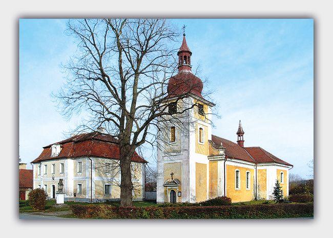 kostel sv. Petra a Pavla v Dolní Lukavici