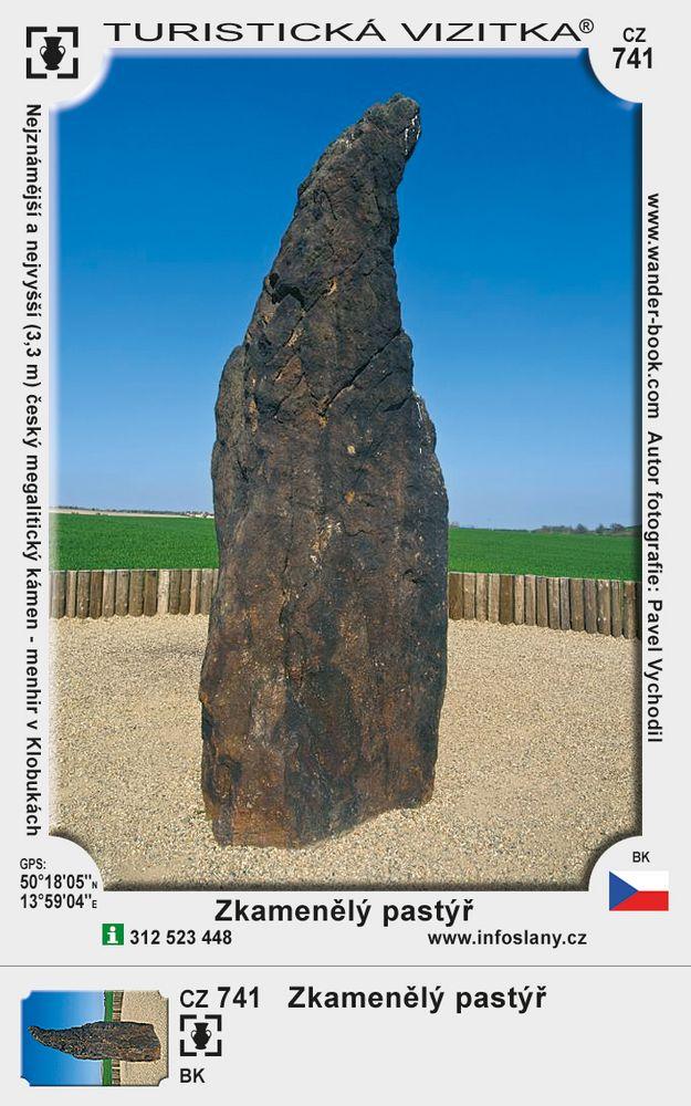 Menhir Zkamenělý pastýř v Klobukách